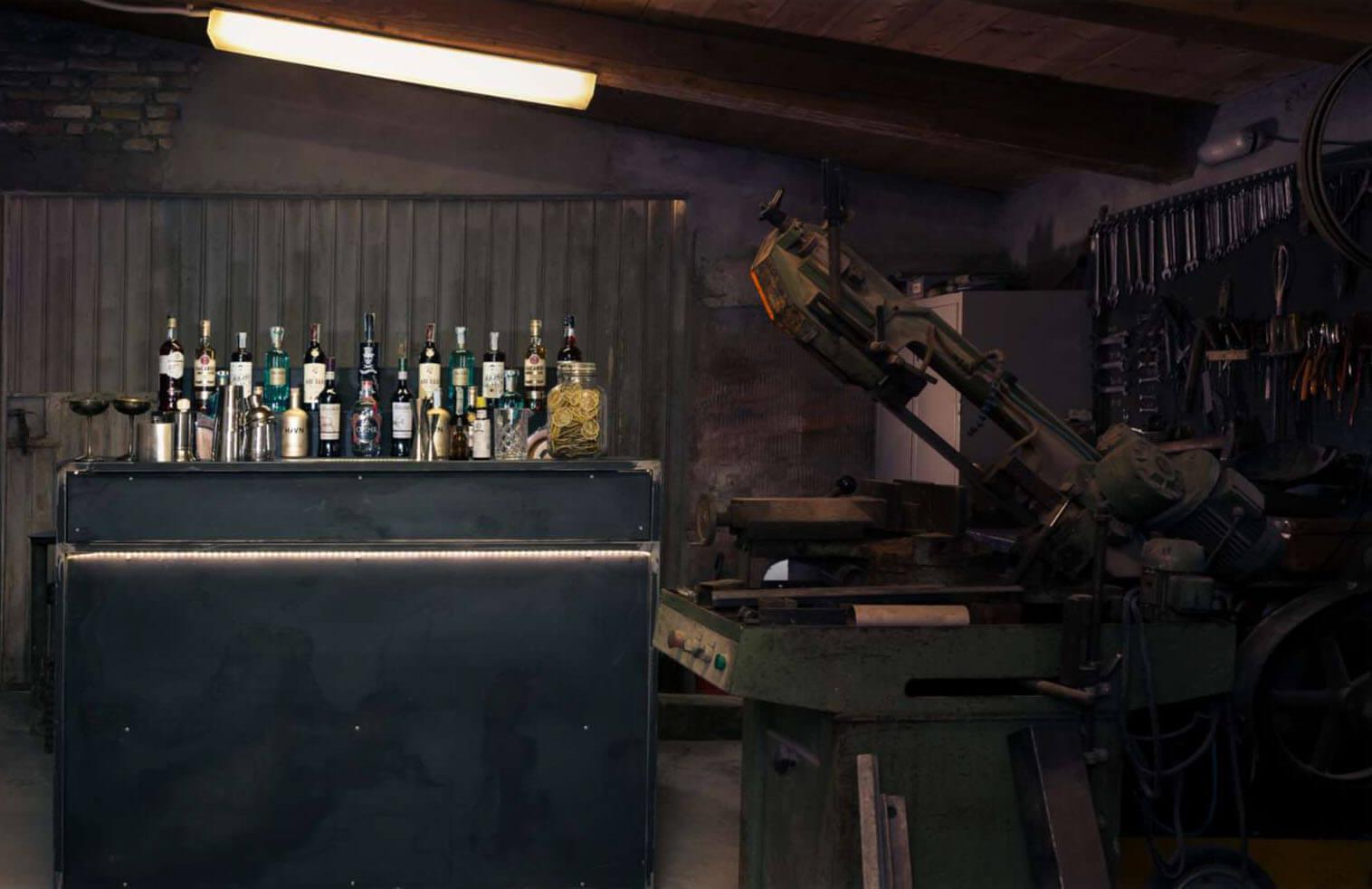 iron_desk